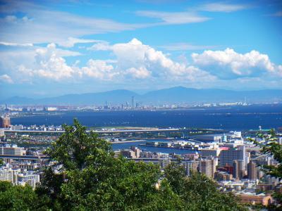 金剛山や大和葛城山、今日はその向こう側に大峰山脈も見える